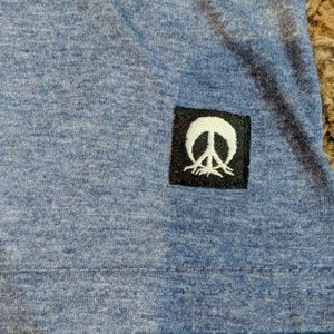 Gnarly Shirts - Gnarly peace sign tee